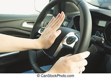 urgente, direzione, bottone, ruota, colpo clacson, donna