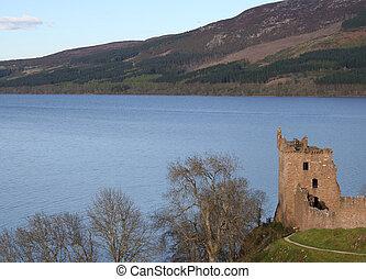 Urquart Castle Scotland - Urquart Castle on Loch Ness...