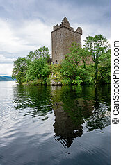 Urquhart Castle on Loch Ness - Historic Urquhart Castle on...