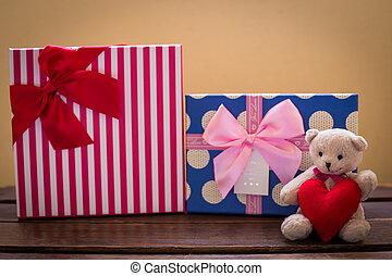 urso teddy, com, cor-de-rosa, coração, decoração, ligado, rosa, e, presente, presente, ligado, azul, background/, dia dos namorados, fundo