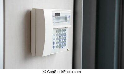 urządzenie, ręka, anti-theft, alarm, zmontowanie