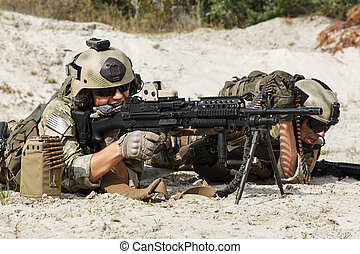US Army Rangers machinegun crew - Members of US Army Rangers...
