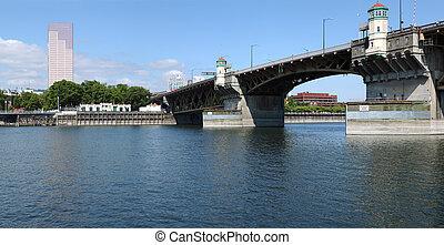 US Bancorp tower & the Morrison bridge, Portland OR.,...