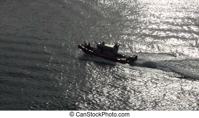 U.S. Coast Guard Patrol Boat - US Coast Guard Port Security...