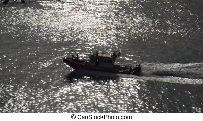 U.S. Coast Guard Patrol Boat - US Coast Guard Port Security...
