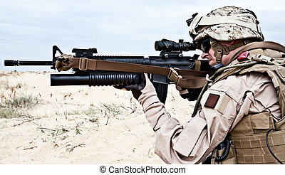 US marine in the desert through the military operation