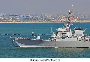 A U.S. Navy Guided Missile Destroyer sails into San Diego Harbor.