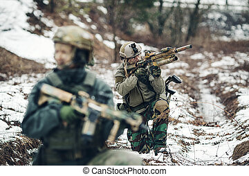 usa., soldat, wachen, seine, position, in, winter, wald