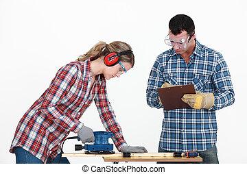 usage, évaluer, elle, puzzle, tradeswoman, homme