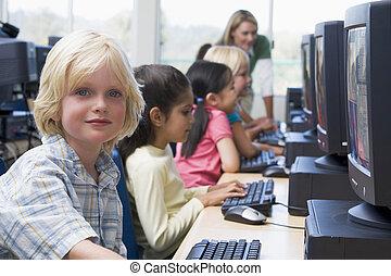 usage, computers., jardin enfants, comment, apprentissage, ...