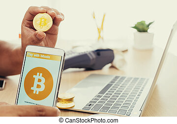 usage, payer, bitcoin, téléphone, intelligent, homme