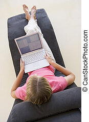 usando computador portátil, mulher, cadeira, sentando