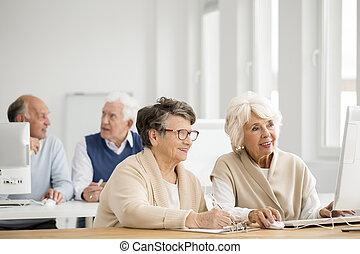 usando computador, praticar, mulheres