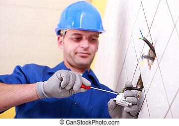 usando, eletricista, chave fenda