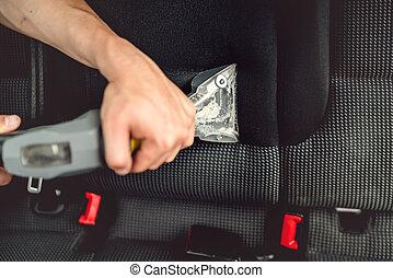 usando, interiores carro, detailer, vácuo, profissional, vapor, cuidado