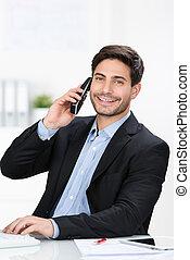 usando, scrivania, uomo affari, telefono, cordone