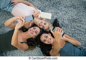 usando, smartphones, tre, amiche