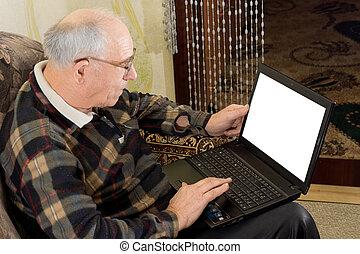 usar la computadora portátil, computadora, hombre mayor