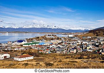 ushuaia., bunter , häusser, in, der, patagonian, stadt,...