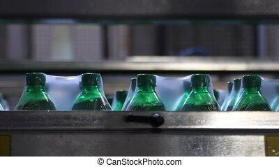 usine, conditionnement, eau, plastique, boisson, bouteilles...