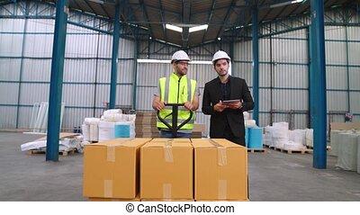 usine, livrer, chariot, boîtes, pousser, ouvriers, entrepôt, paquet