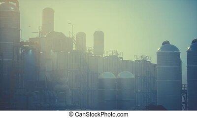 usine, raffinerie, huilez réservoirs