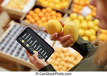 Using checklist on smartphone in supermarket