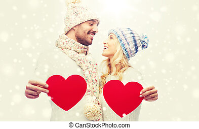 usmívaní, dvojice, do, zima šaty, s, červeň, herce