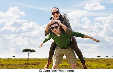 usmívaní, dvojice, s, backpacks, cestování, do, afrika