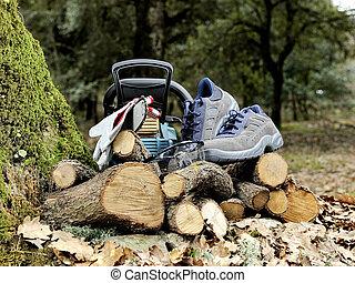 uso, chainsaw., scarpe, sicuro, occhiali protezione, guanti sicurezza