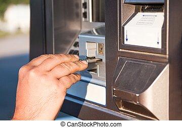 uso, tarjeta de crédito, para pagar, para, gas, en, el,...