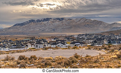 Utah Valley community with stunning mountain view