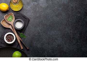 utensillos de cocina, y, especias