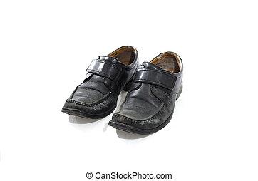 utilisé, vieux, chaussures, cuir, porté, arrière-plan noir, blanc