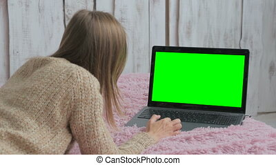 utilisation, écran, femme, vert, ordinateur portable