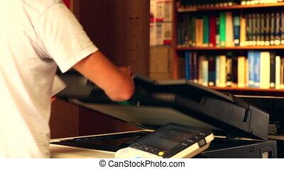 utilisation, étudiant, photocopieur