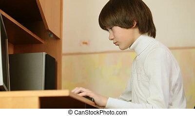 utilisation, bureau bois, pc bureau, informatique, enfant, maison