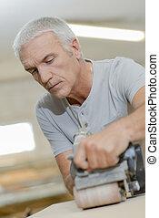 utilisation, ceinture, charpentier, ponceuse