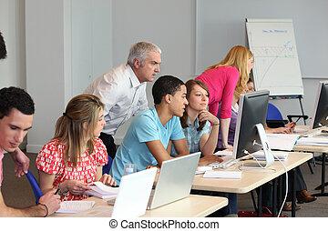 utilisation, classe, ordinateurs, jeunes