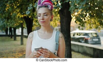utilisation, dehors, smartphone, ville, coloré, sourire,...