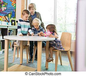 utilisation, enfants, bibliothèque, tablette, numérique