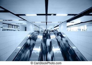 utilisation, escalator, gens