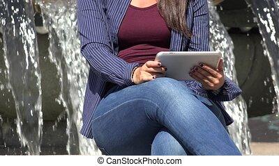utilisation, femme, pc tablette