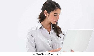 utilisation, femme souriant, ordinateur portable