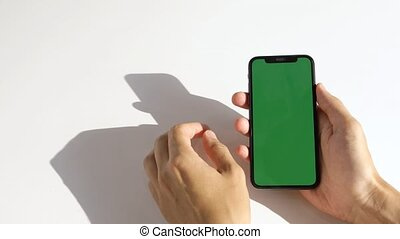 utilisation, fond blanc, téléphone, homme, écran, vert