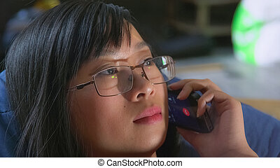 utilisation, intérieur, téléphone, femme