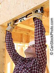 utilisation, ouvrier construction, niveau esprit