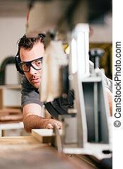 utilisation, scie, charpentier, électrique