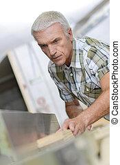 utilisation, scie, charpentier, table