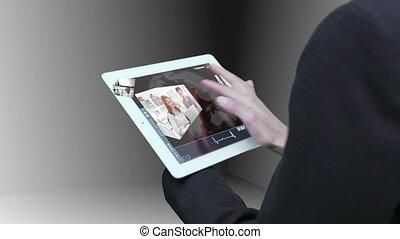 utilisation, vue, femme affaires, tablette